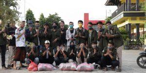 Siswa SMA Negeri 1 Kramat Kabupaten Tegal Bantu Warga Tedampak Coovid