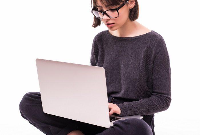 Mengenal Kuliah Online, Kelebihan dan Kekurangannya